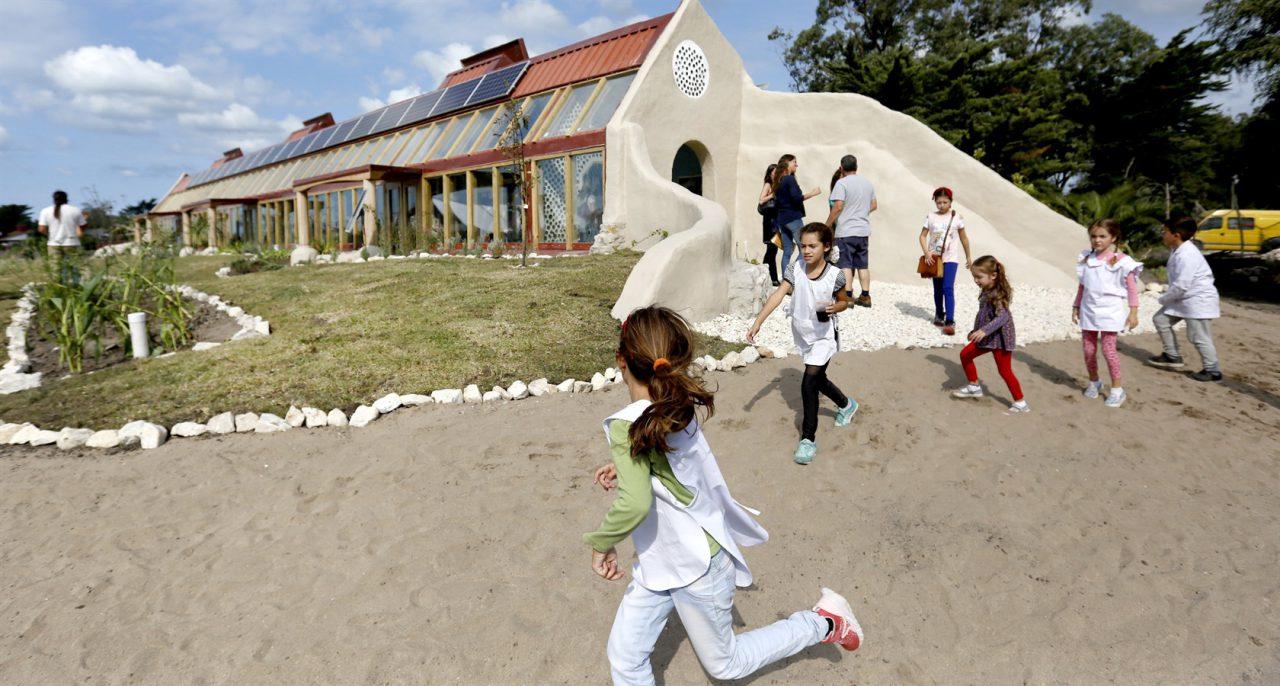 mar-chiquita-escuela-sustentable-1280x686.jpg