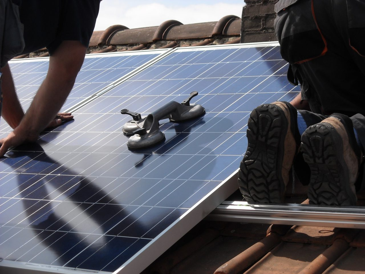 solar-panels-944002_1920-1280x960.jpg